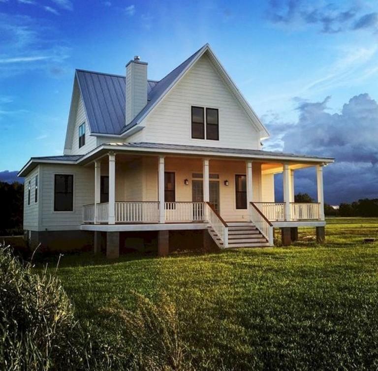 40 Good Farmhouse Home Exterior Design Ideas